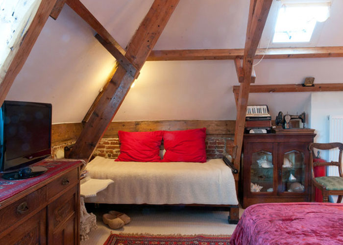 Between Art and Kitsch bed and breakfast amsterdam